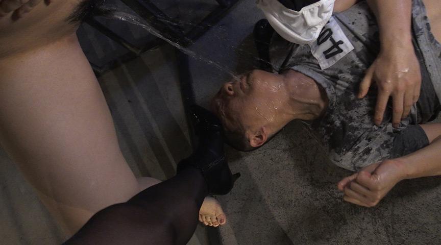 「強制飲尿女捜査官 小便直飲令」-004