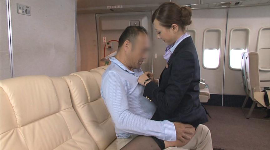 「「制服・下着・全裸」でおもてなし またがりオマ○コ航空」-001